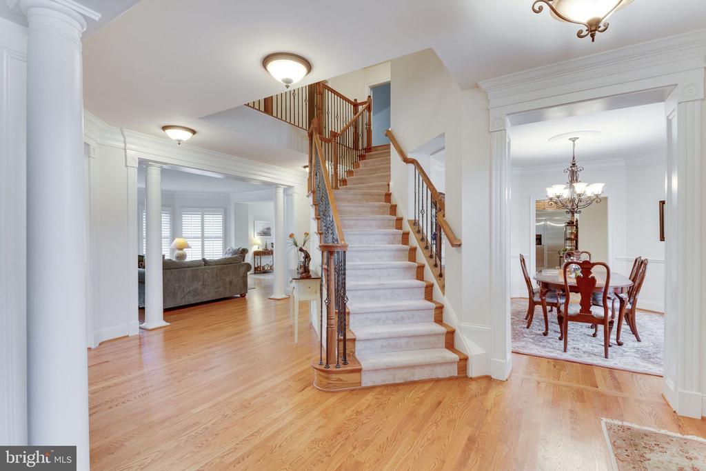 Grand foyer offers elegant entrance. - 6397 GAYFIELDS RD, ALEXANDRIA