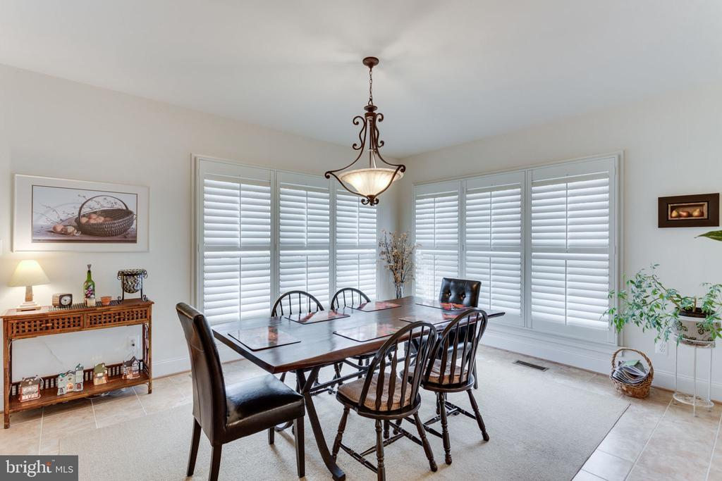 Have you noticed all the shutters! $30K+ Gorgeous! - 6397 GAYFIELDS RD, ALEXANDRIA