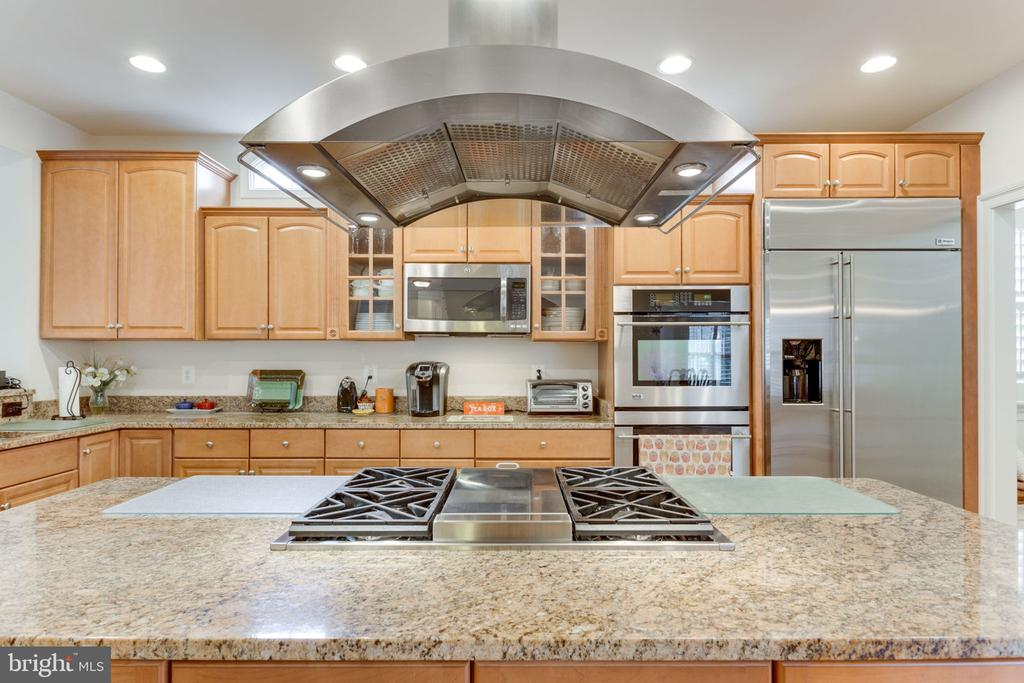 Granite and stainless steel appliances! - 6397 GAYFIELDS RD, ALEXANDRIA