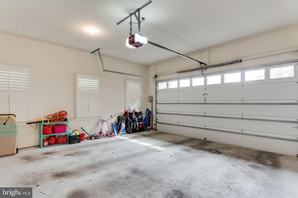 Large 2 car garage with entrance to mudroom. - 6397 GAYFIELDS RD, ALEXANDRIA
