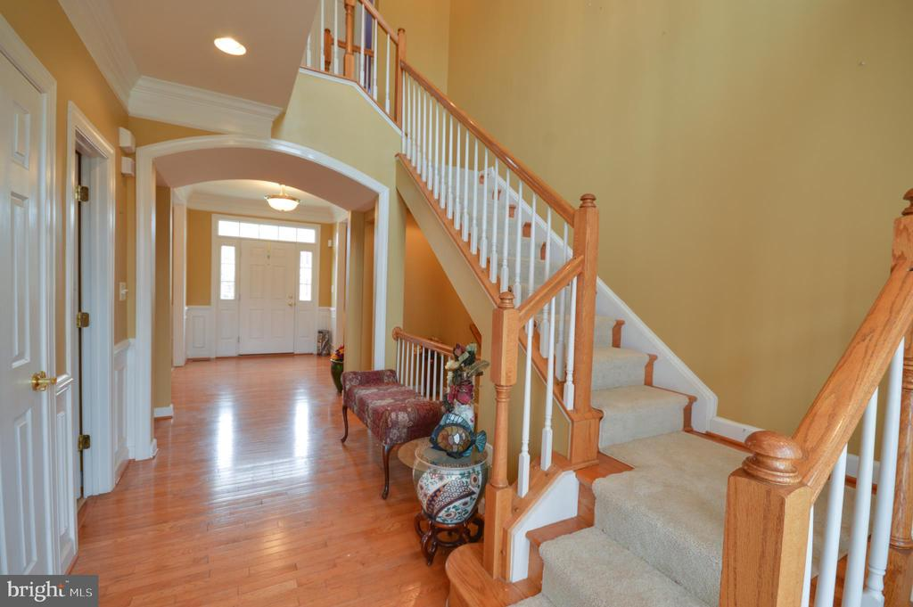 Main Stair Case - 10163 BROADSWORD DR, BRISTOW
