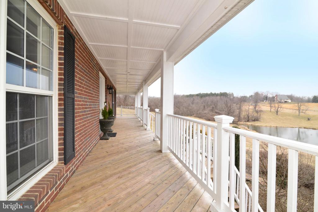 Great place for relaxing - 39520 SWEETFERN LN, LOVETTSVILLE