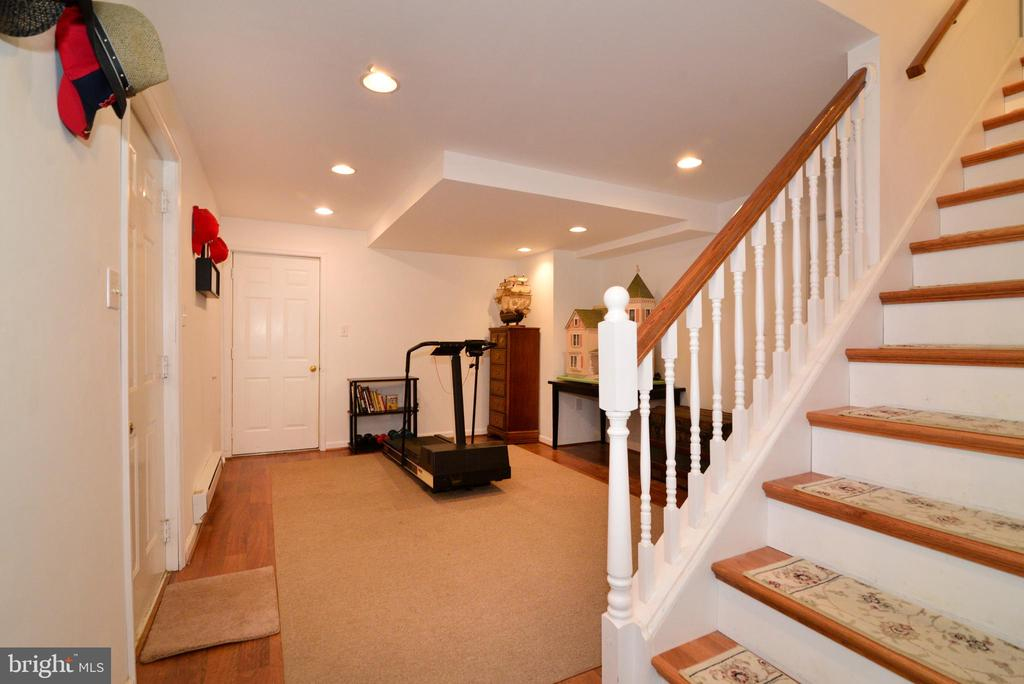Basement is partially finished - 39520 SWEETFERN LN, LOVETTSVILLE