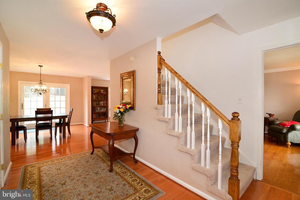 Come on in - 39520 SWEETFERN LN, LOVETTSVILLE