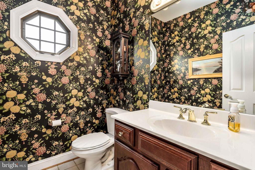 Main Level 2nd Half Bath - 35190 DORNOCH CT, ROUND HILL