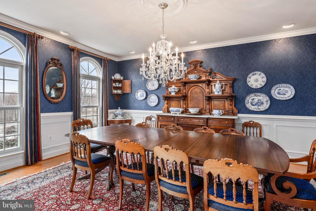 Large Dining Room, Hardwood - 35190 DORNOCH CT, ROUND HILL