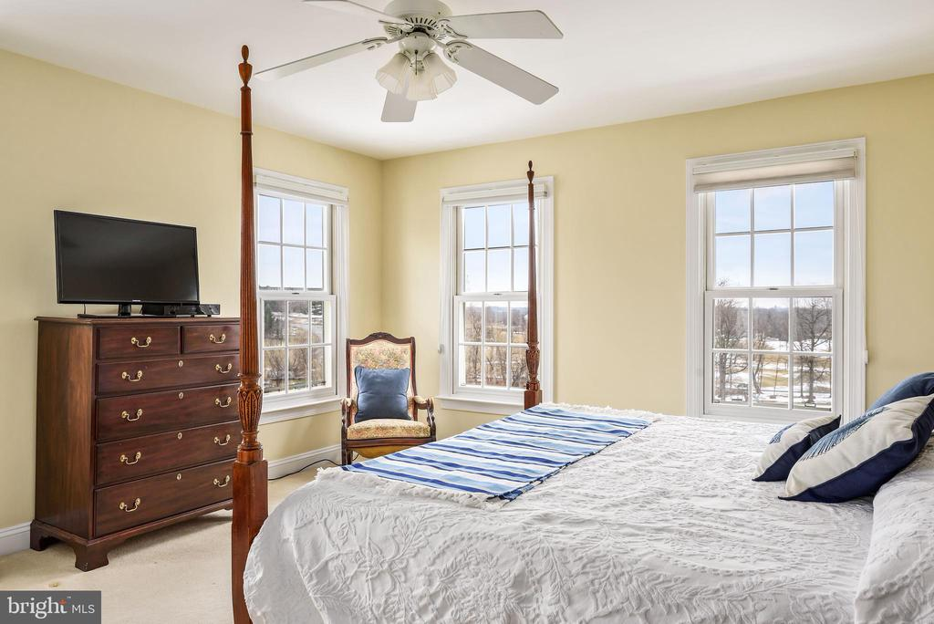 3rd Bedroom with Ensuite-Bath - 35190 DORNOCH CT, ROUND HILL