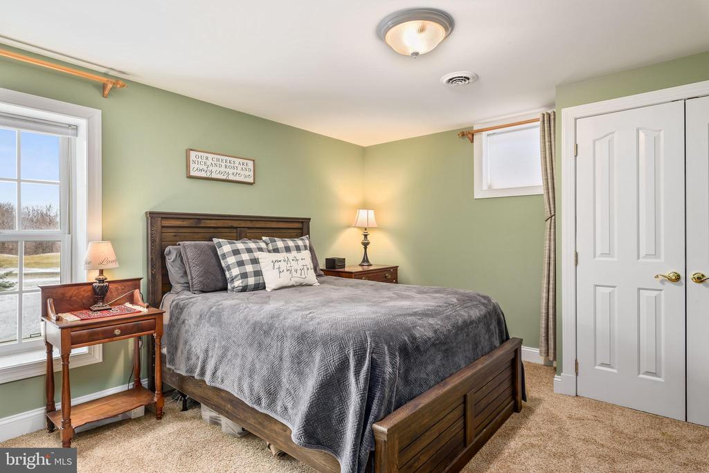 5th Bedroom - Lower Level w/ Dble Closets FullBath - 35190 DORNOCH CT, ROUND HILL