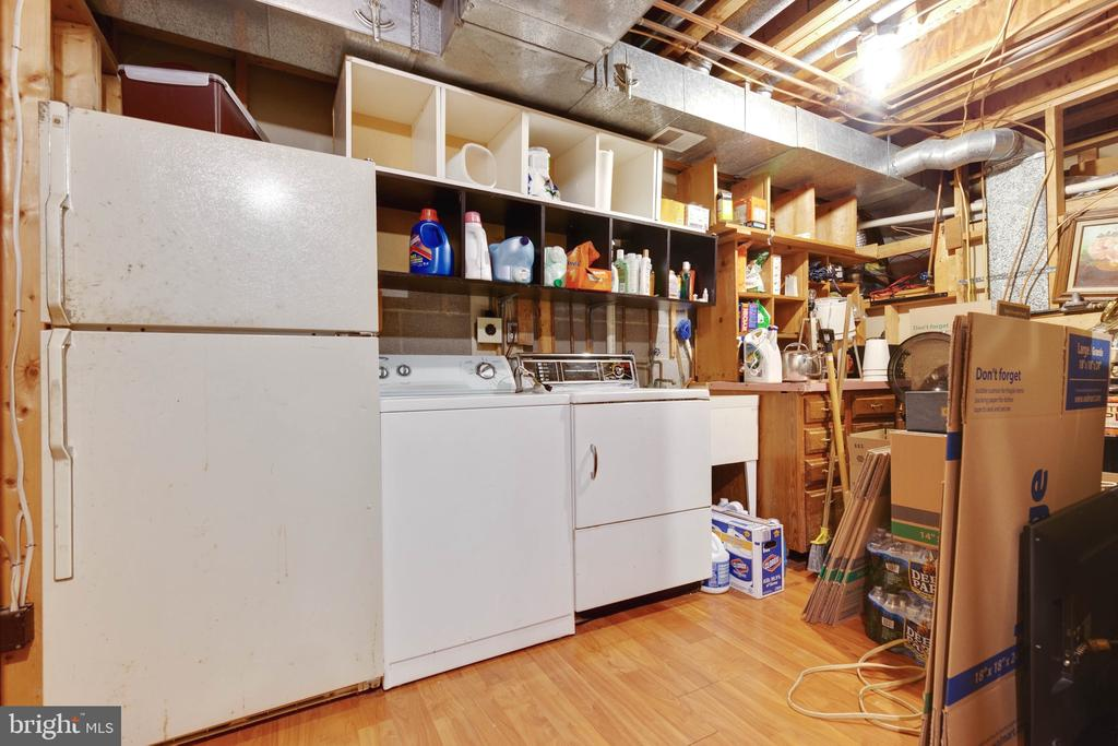 Laundry and Storage Room on Lower Level - 9087 GOLDEN SUNSET LN, SPRINGFIELD