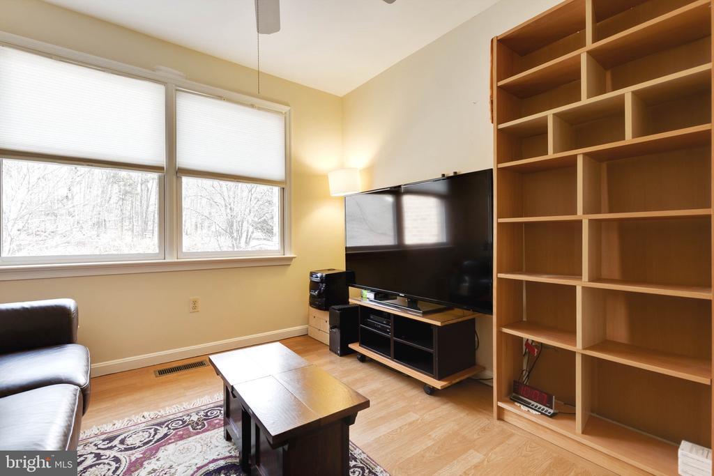 Bedroom 3 on Upper Level - 9087 GOLDEN SUNSET LN, SPRINGFIELD