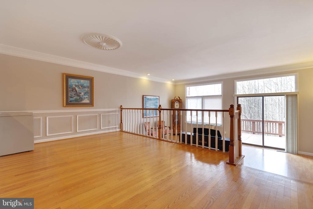 Dining Room on Main Level - 9087 GOLDEN SUNSET LN, SPRINGFIELD