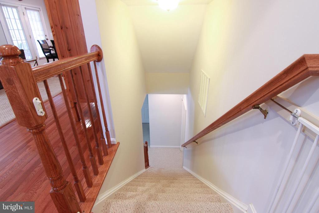 Stairway - 42277 PROVIDENCE RIDGE DR, CHANTILLY