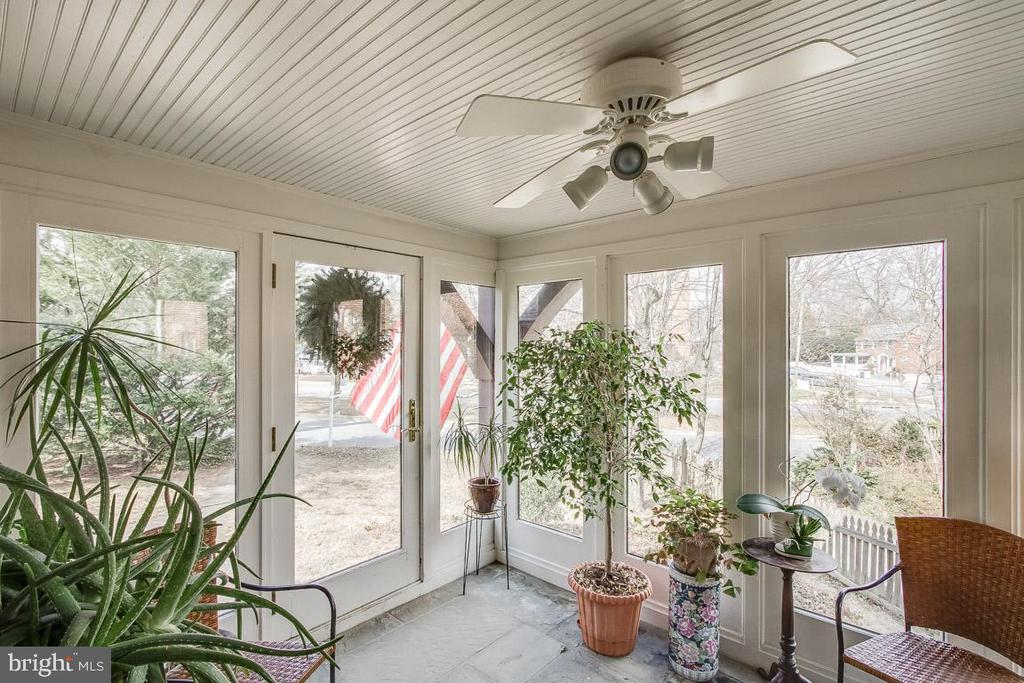 Front enclosed porch - 5308 HUNTINGTON PKWY, BETHESDA
