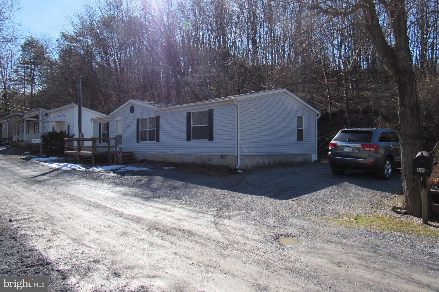 Additional photo for property listing at 436 Biser St Berkeley Springs, West Virginia 25411 United States