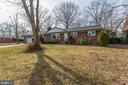 Huge front yard and back yard too! - 6808 HACKBERRY ST, SPRINGFIELD