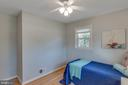 This bedroom has two walls with windows. Bright! - 6808 HACKBERRY ST, SPRINGFIELD