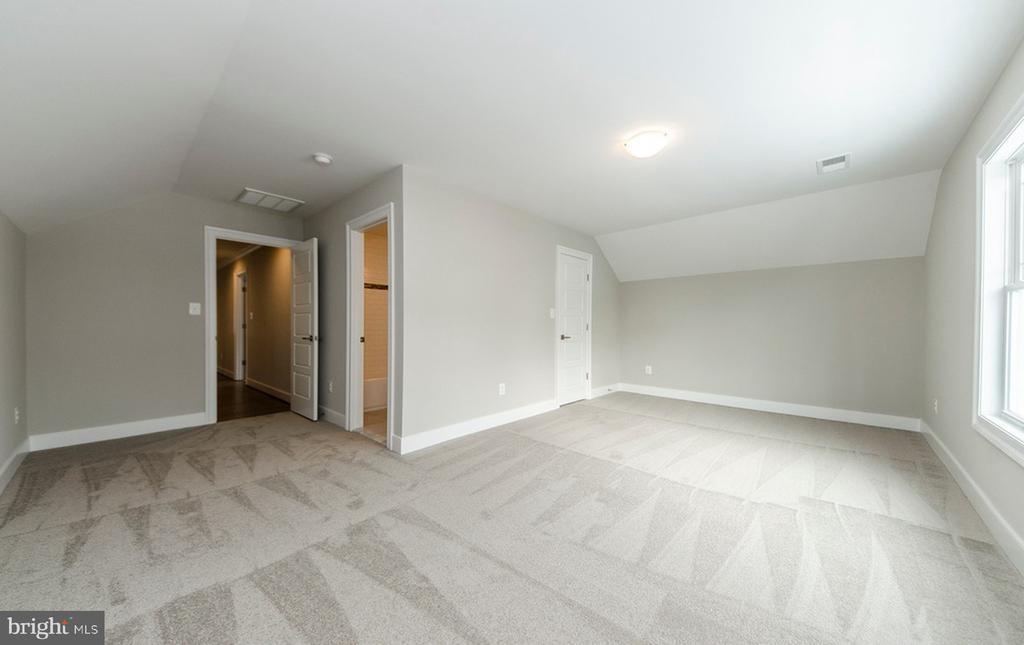 Bonus Room/BR4 (Upper Level) - 7534 LISLE AVE, FALLS CHURCH