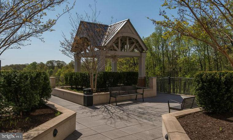 Private Gazebo Overlooking Golf Course - 11760 SUNRISE VALLEY DR #808, RESTON