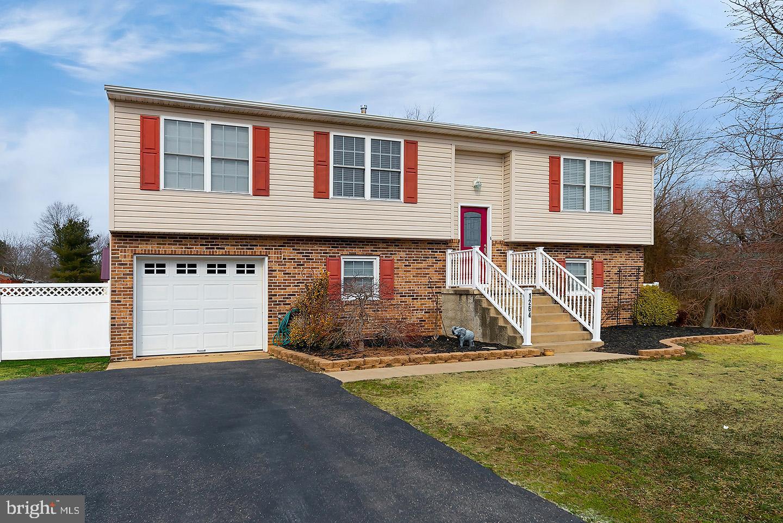 Maison unifamiliale pour l Vente à 1264 MIDDLE Avenue Waterford Works, New Jersey 08089 États-Unis