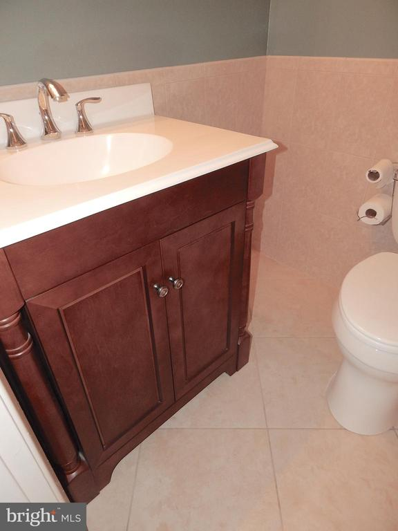 Renovated Full Bath w/custom Tile - 444 GREENBRIER CT #444, FREDERICKSBURG