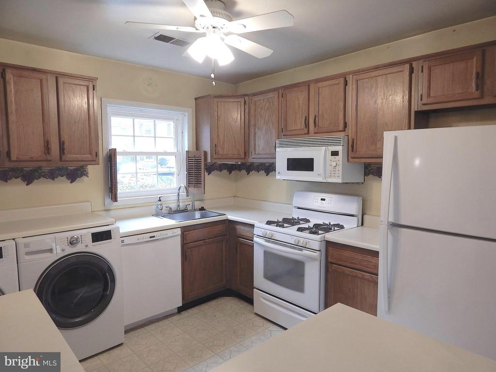 Kitchen view from Dining Room pass-through Window - 444 GREENBRIER CT #444, FREDERICKSBURG