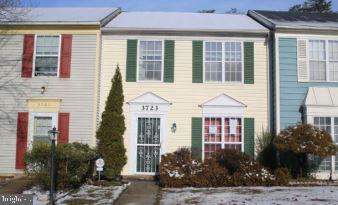 Photo of home for sale at 3723 Kempsford Field Place, Waldorf MD