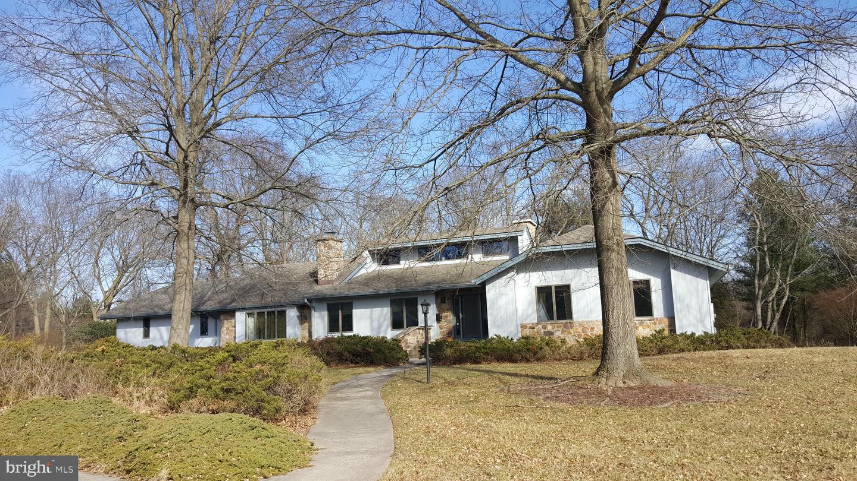 Casa Unifamiliar por un Venta en 48 CROWN Ewing, Nueva Jersey 08638 Estados UnidosEn/Alrededor: Ewing Township