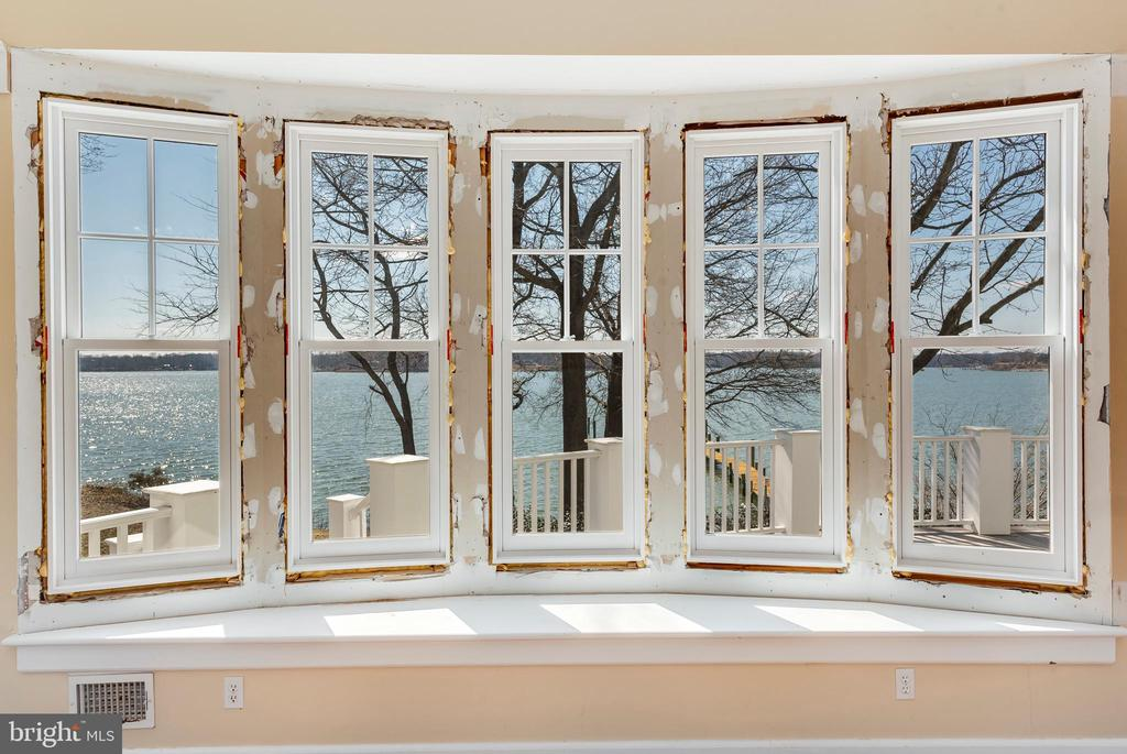 Bay Window in Great Room - 1002 MELVIN RD, ANNAPOLIS