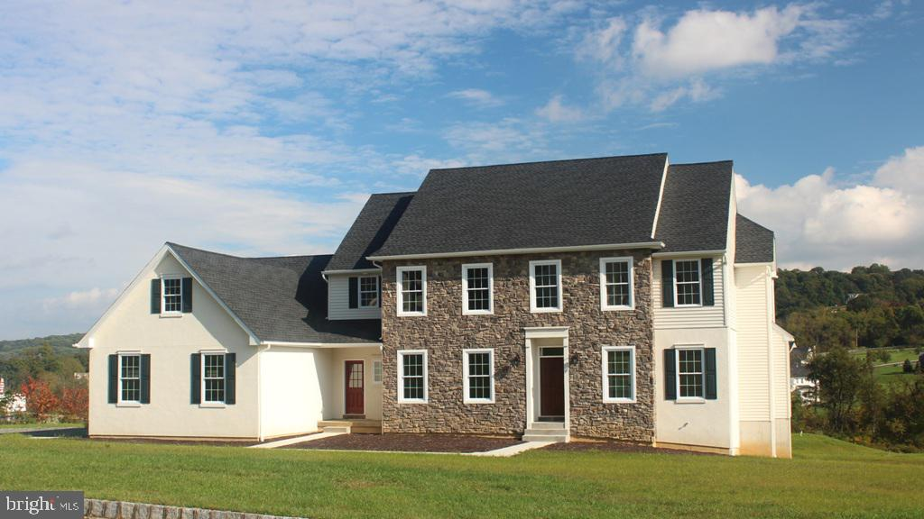 Photo of home for sale at 6280 Shady Drive, Coopersburg PA