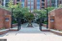1021 Clarendon - 1021 N GARFIELD ST #445, ARLINGTON