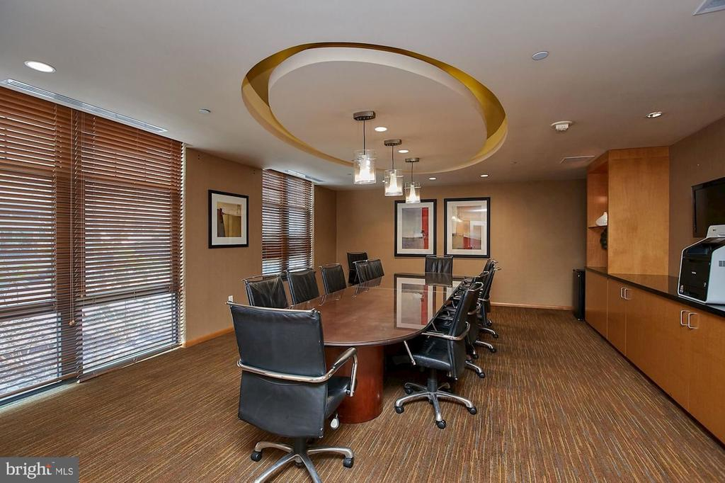 Meeting Room - 1021 N GARFIELD ST #445, ARLINGTON