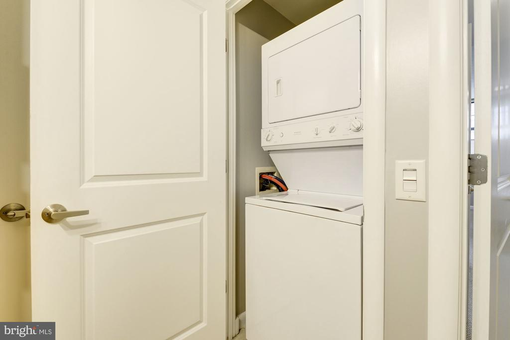 Laundry Unit - 1021 N GARFIELD ST #445, ARLINGTON