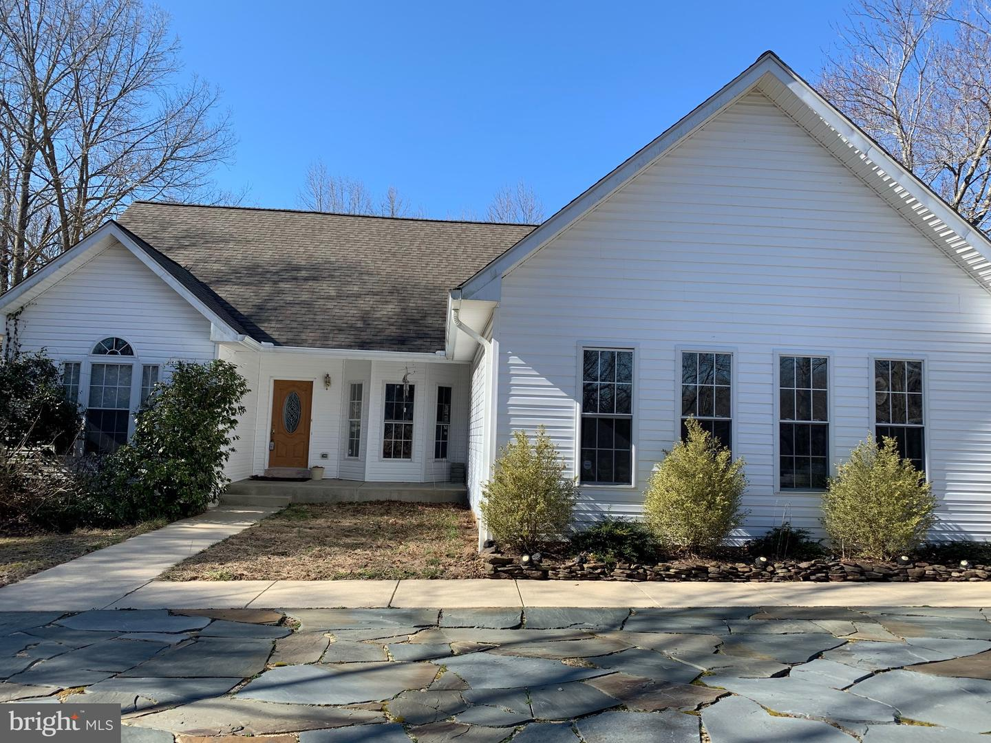 Photo of home for sale at 4660 Clayton Road, Waldorf MD