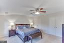 Large Master Suite with cathedral ceilings - 4800 JENNICHELLE CT, FAIRFAX