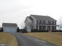 Asphalt Driveway - Attached & Detached Garage - 10901 DEER MEADOW CT, NOKESVILLE