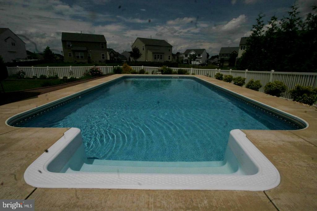 great shot of the pool from 2018. - 18218 ROCKLAND DR, HAGERSTOWN