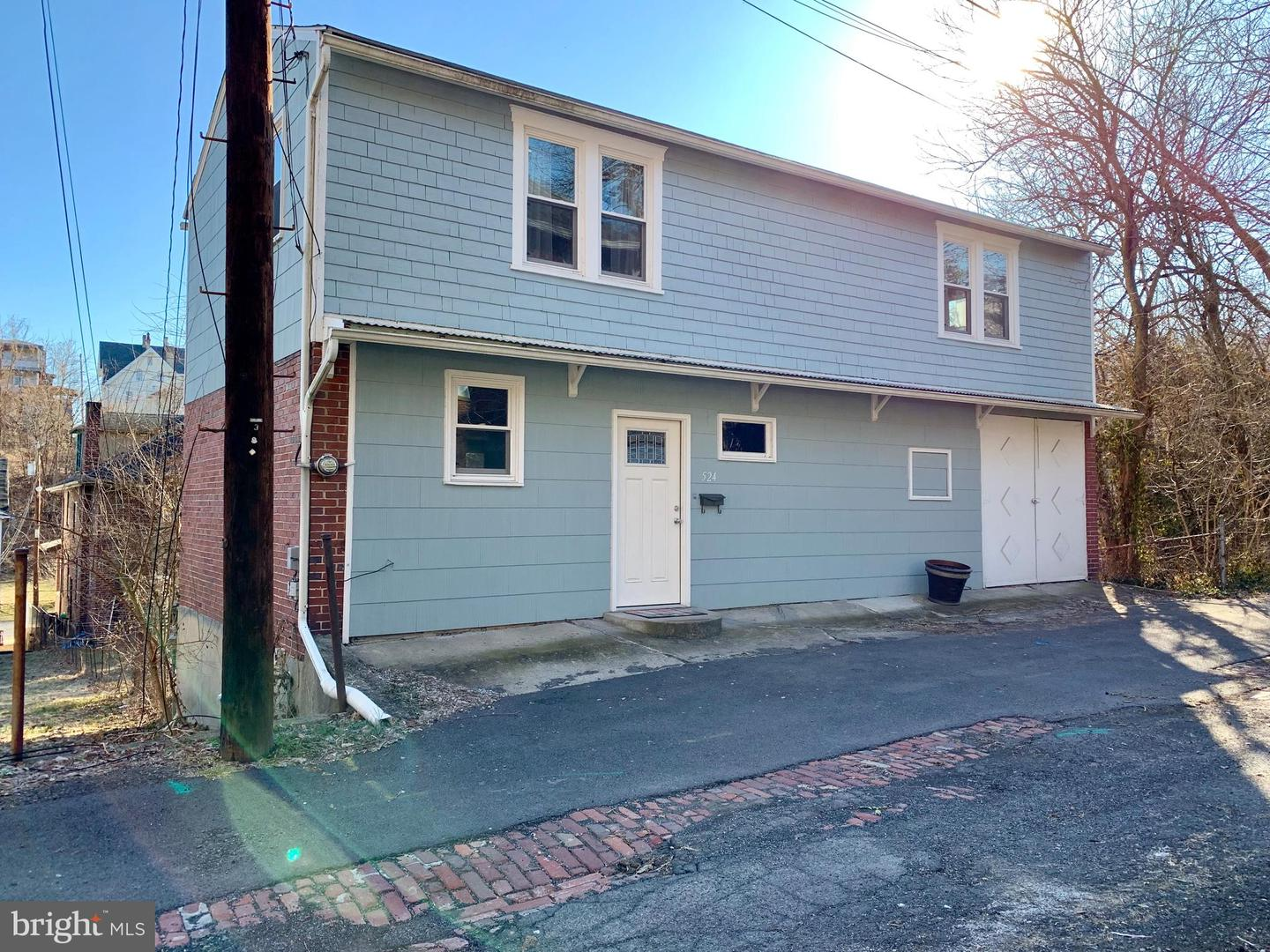 Single Family for Sale at 524 Essex Pl Cumberland, Maryland 21502 United States