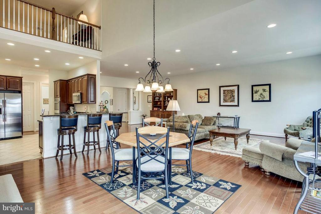 Breakfast Room, Kitchen Open to Great Room - 21562 GREENGARDEN RD, UPPERVILLE