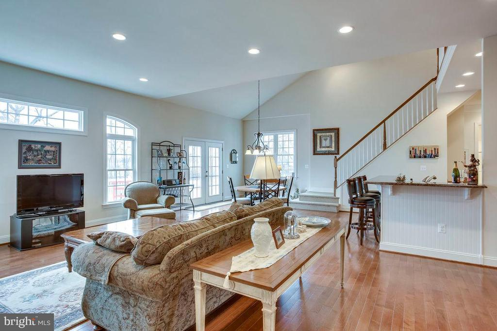 Great Room with Open Family Living - 21562 GREENGARDEN RD, UPPERVILLE