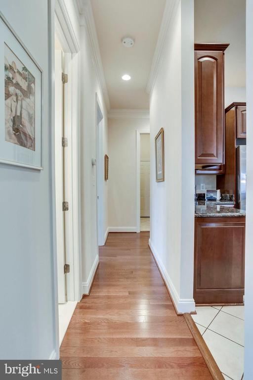 Hallway to Bedrooms on Main Level - 21562 GREENGARDEN RD, UPPERVILLE