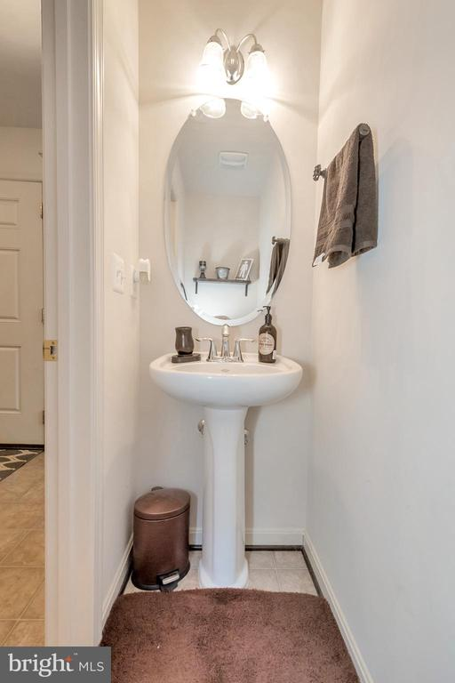 Powder Room - 2345 SILVER FOX WAY, LOCUST GROVE