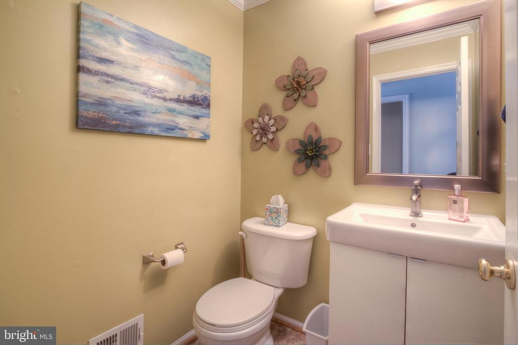 Main Level Half Bath - 38 RIPLEY RD, STAFFORD