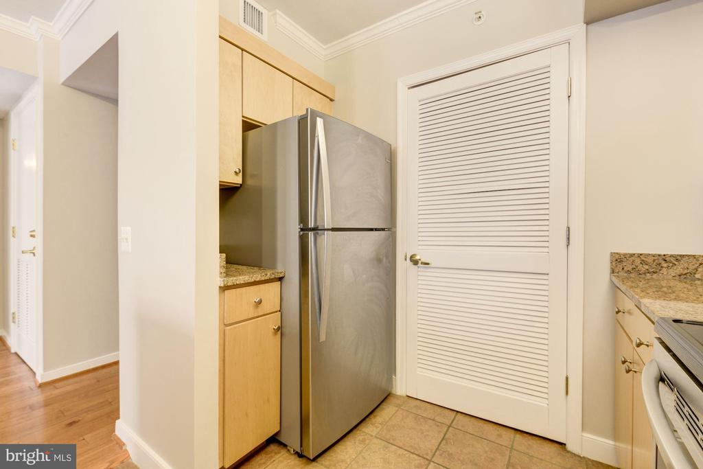 Whirlpool refrigerator replaced in 2016 - 616 E ST NW #822, WASHINGTON