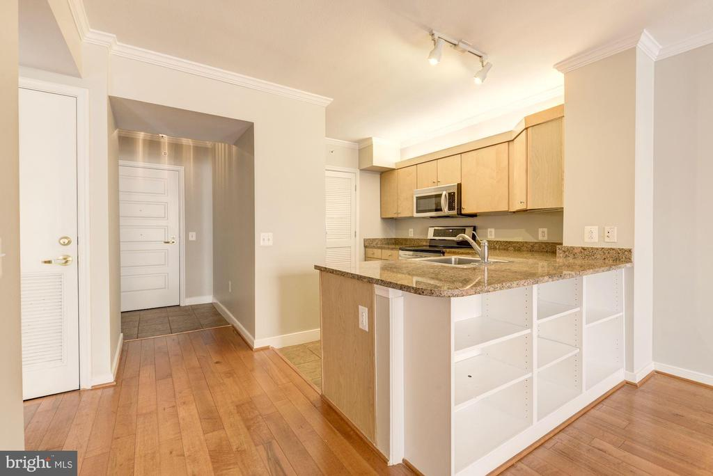 Custom built-ins under peninsula. - 616 E ST NW #822, WASHINGTON
