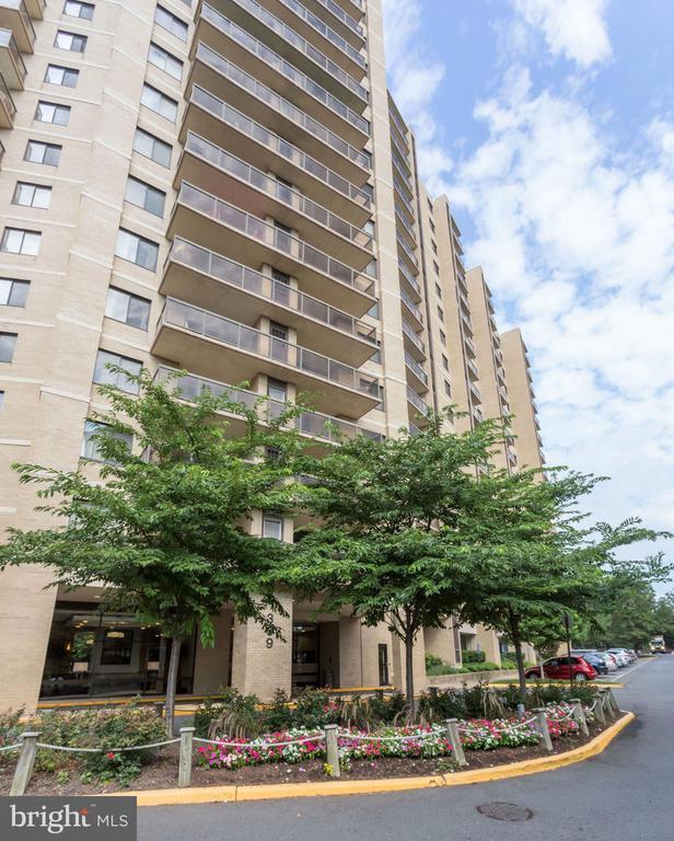 Alexandria Homes for Sale -  City View,  309  YOAKUM PARKWAY  612
