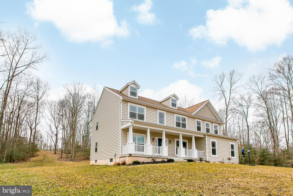 Picturesque beauty - 231 MOUNT HOPE CHURCH RD, STAFFORD