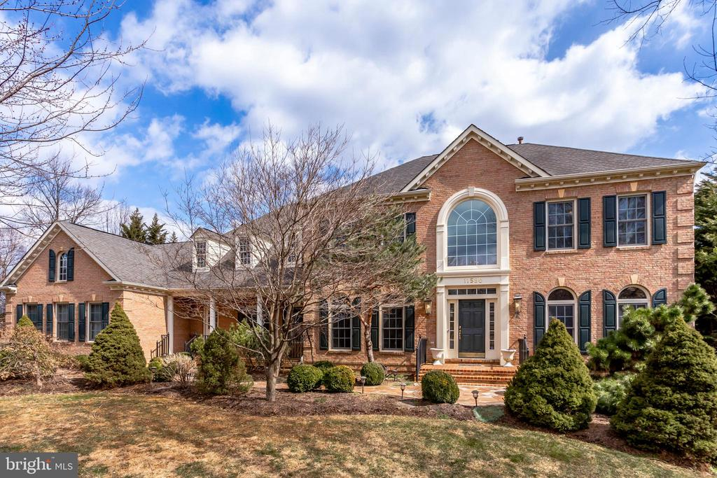 Front of home - 11580 CEDAR CHASE RD, HERNDON