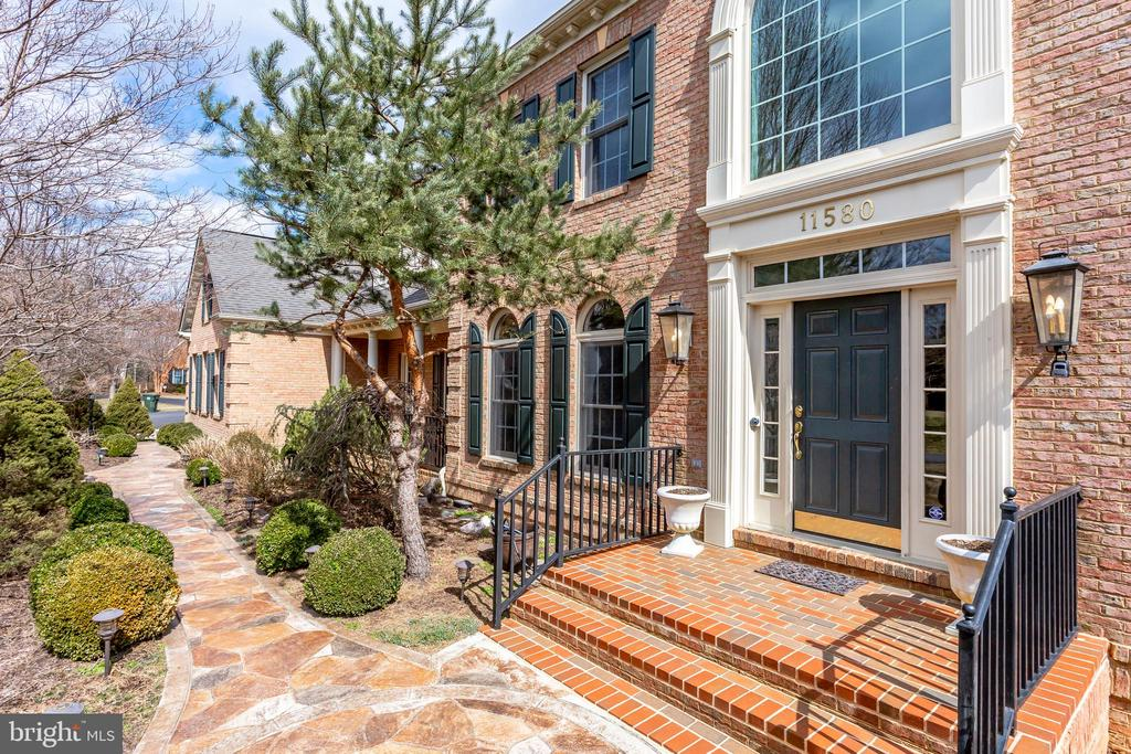 Stone walkway to front entry - 11580 CEDAR CHASE RD, HERNDON
