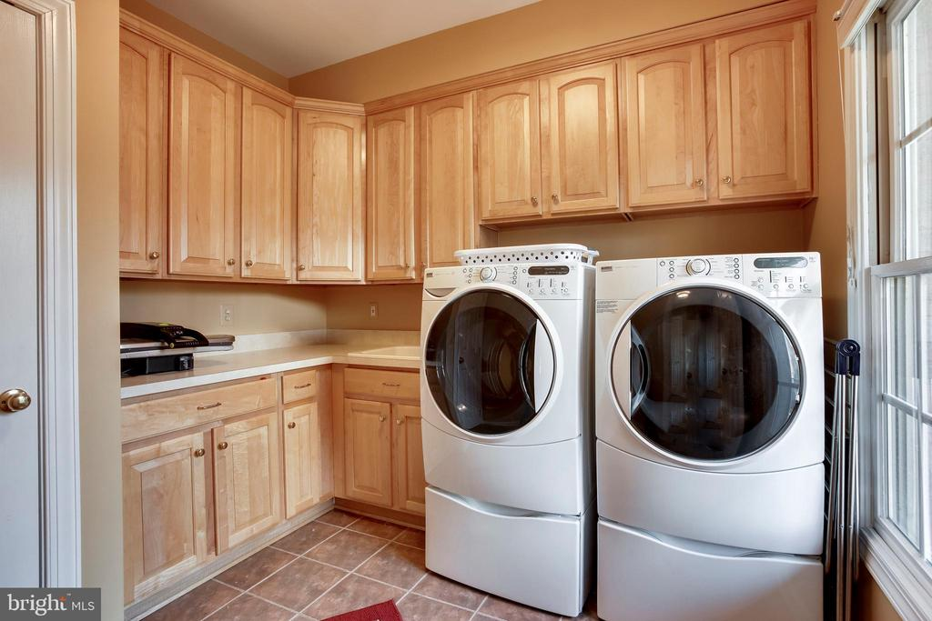 Laundry room - 11580 CEDAR CHASE RD, HERNDON