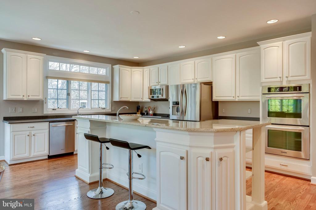 Kitchen - 11580 CEDAR CHASE RD, HERNDON